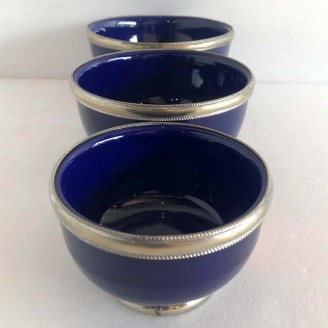 Juego de 3 Tasas de cerámica con el bordes de metal