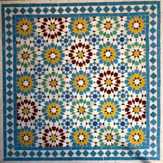 Mesa de mosaico color azul claro
