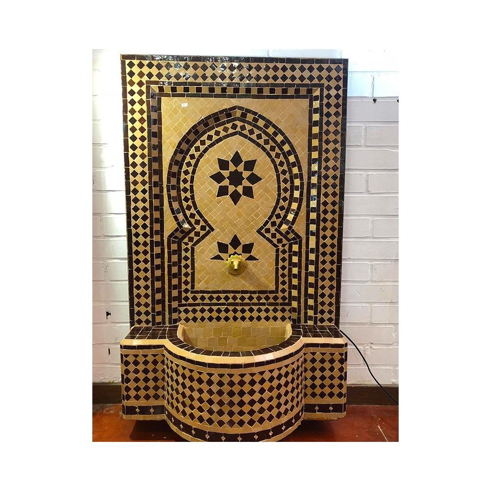 Fuente mosaico pared