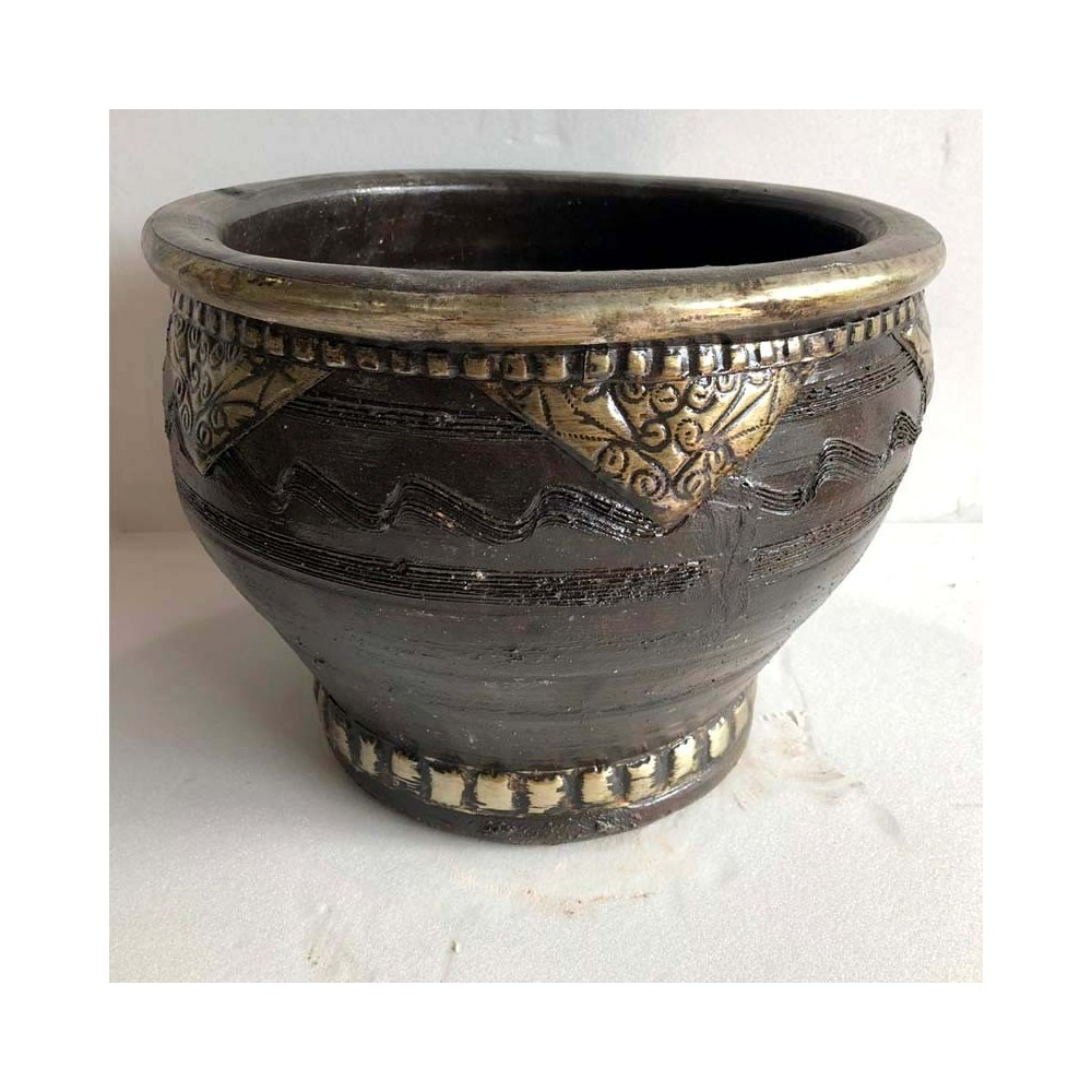Macetero ceramica acabados con  metal